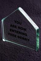Free Dery Corner - Glass Plaque  4 - Small, Blue Casket Box